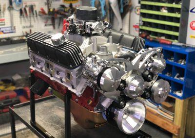 Chrysler 408CI crate engine